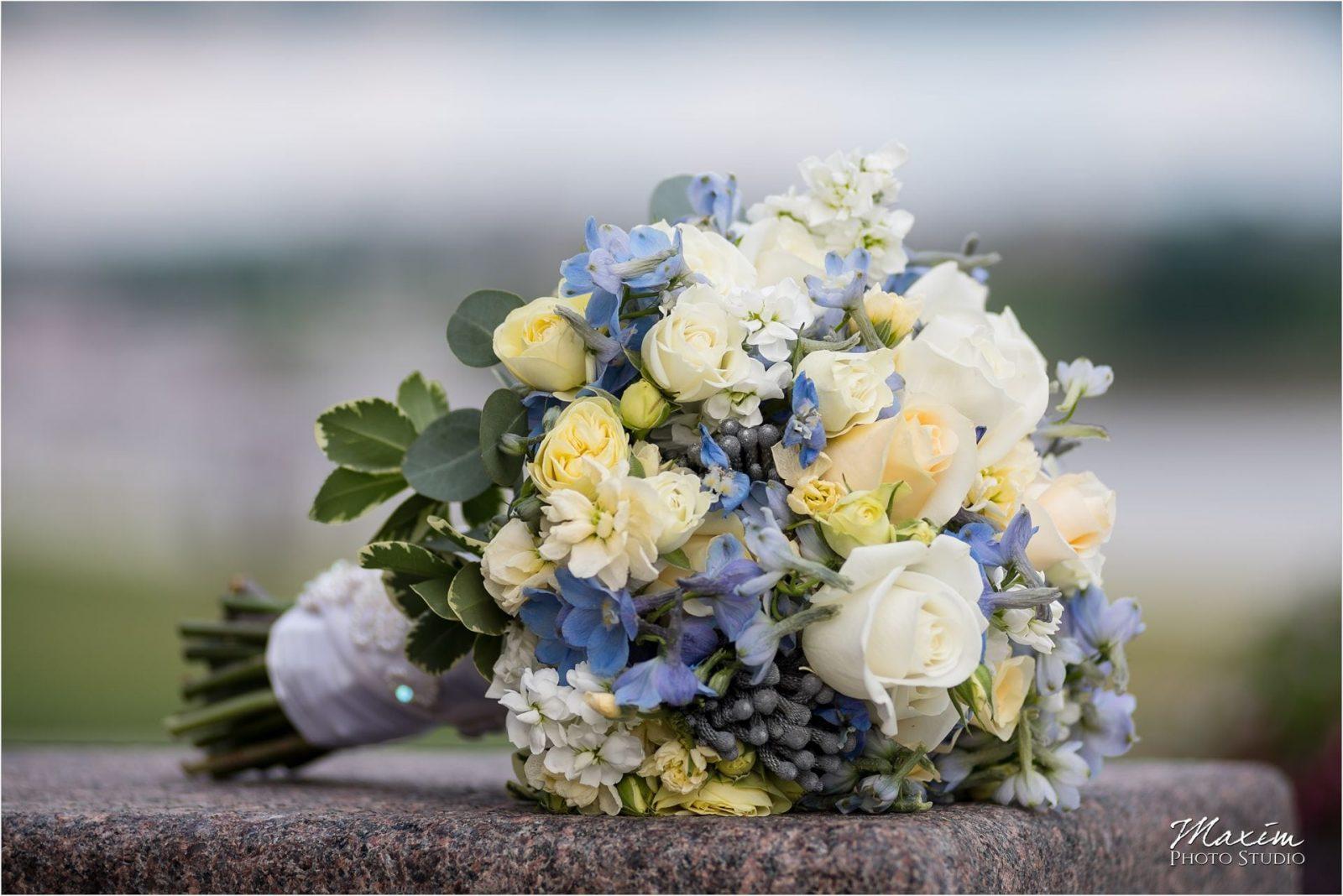 Anderson Pavilion Cincinnati Wedding Photographer bride flowers