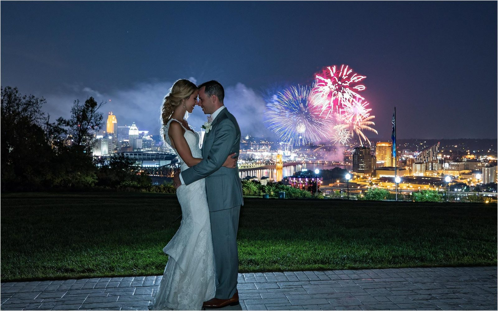 Kentucky Wedding Photographers Drees Pavilion Wedding fireworks
