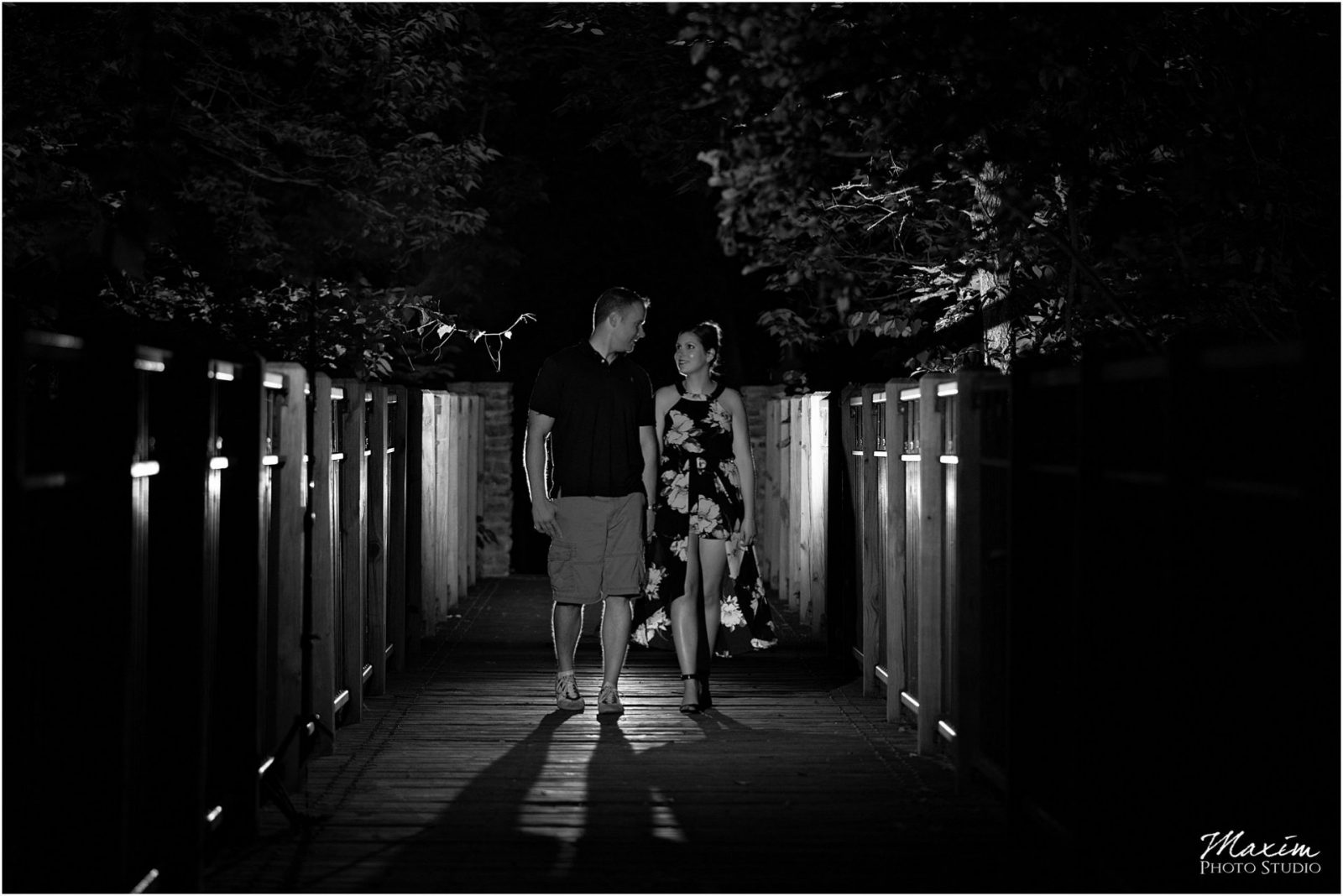 Sharon Wood Metro Park Engagement, Bridge couple