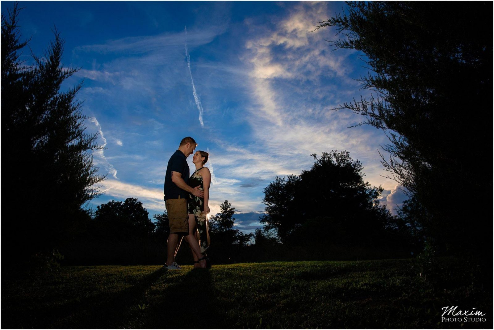 Sharon Wood Metro Park, Sunset Engagement, Wedding Couple