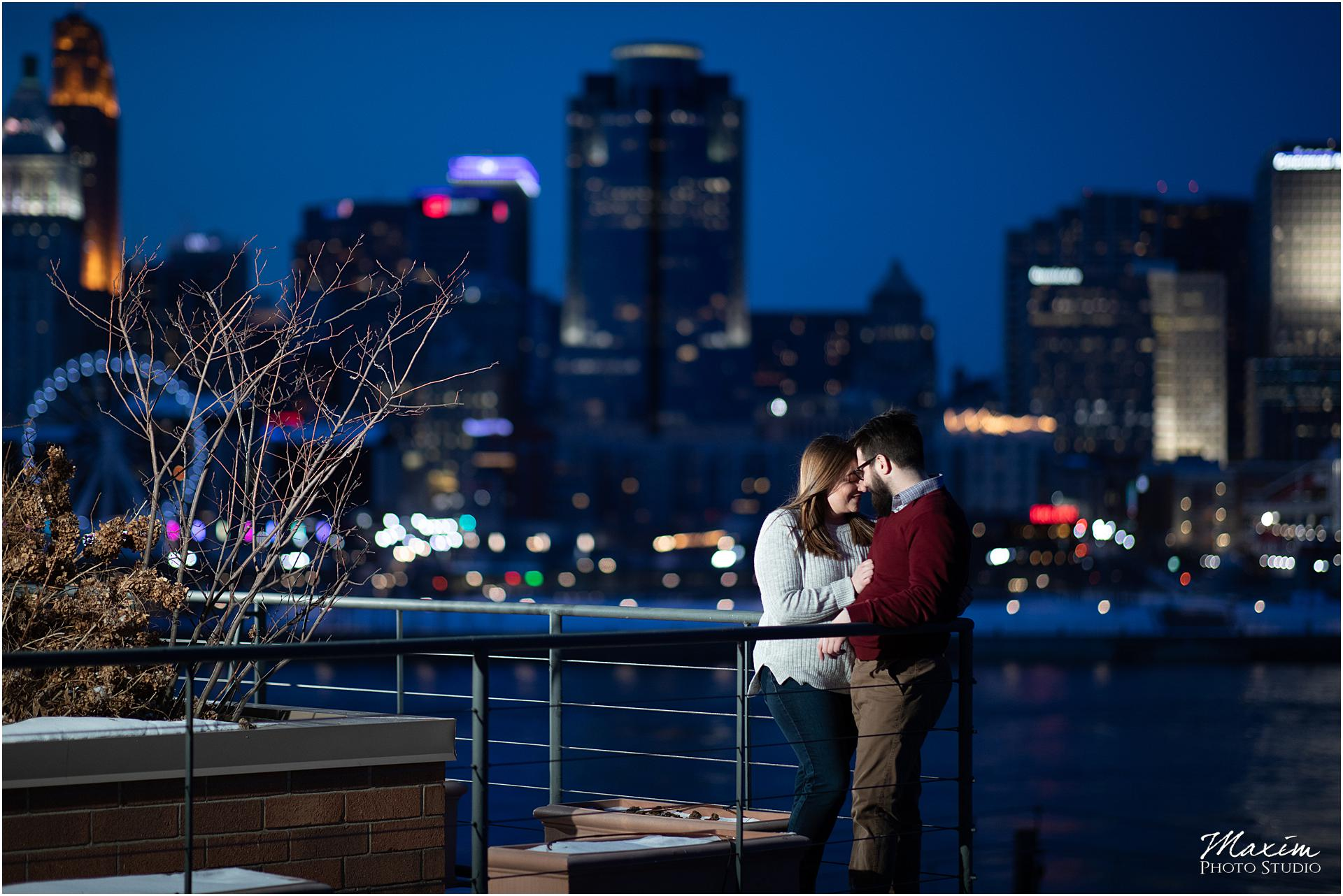 Cincinnati Skyline from Covington Kentucky overlook, Night engagement photography