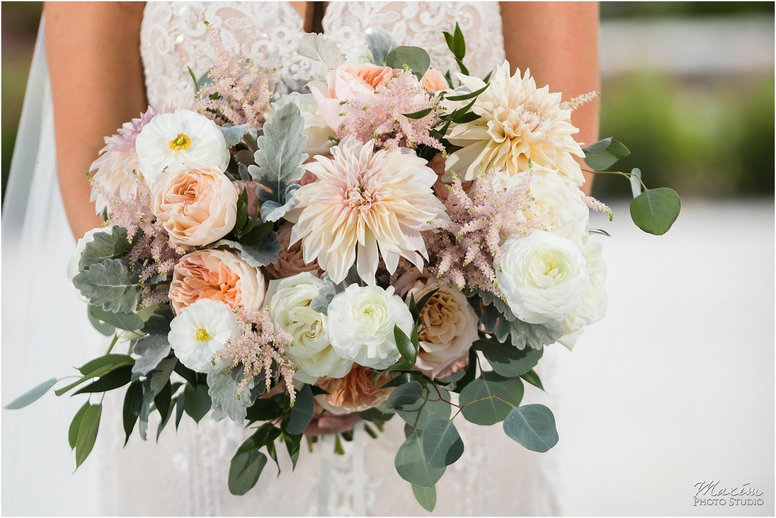 Greenacres Art Center, Cincinnati Wedding, Cincinnati Bride, Floral Verde Flowers