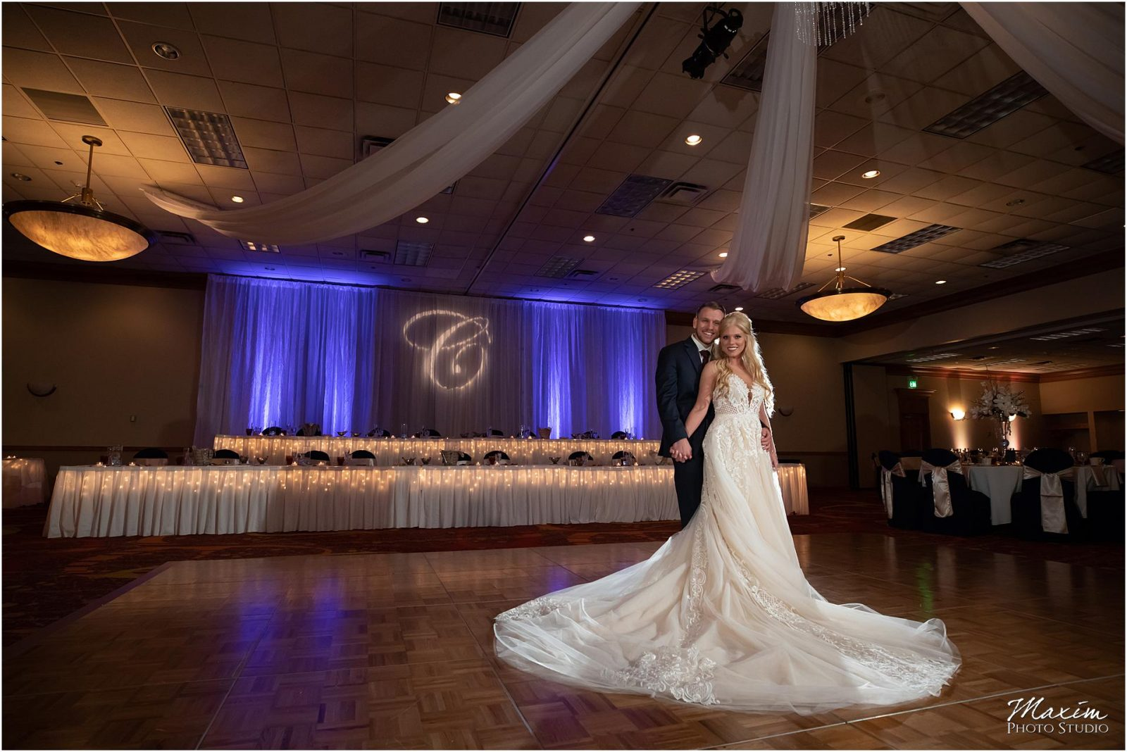 Holiday Inn Airport Wedding, Kentucky Wedding Photographer, Wedding Reception
