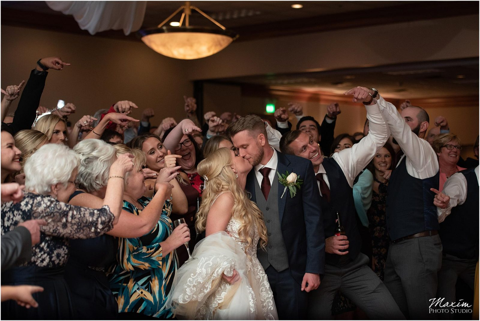 Holiday Inn Airport Wedding, Kentucky Wedding Photographer, Wedding Reception Group Photo