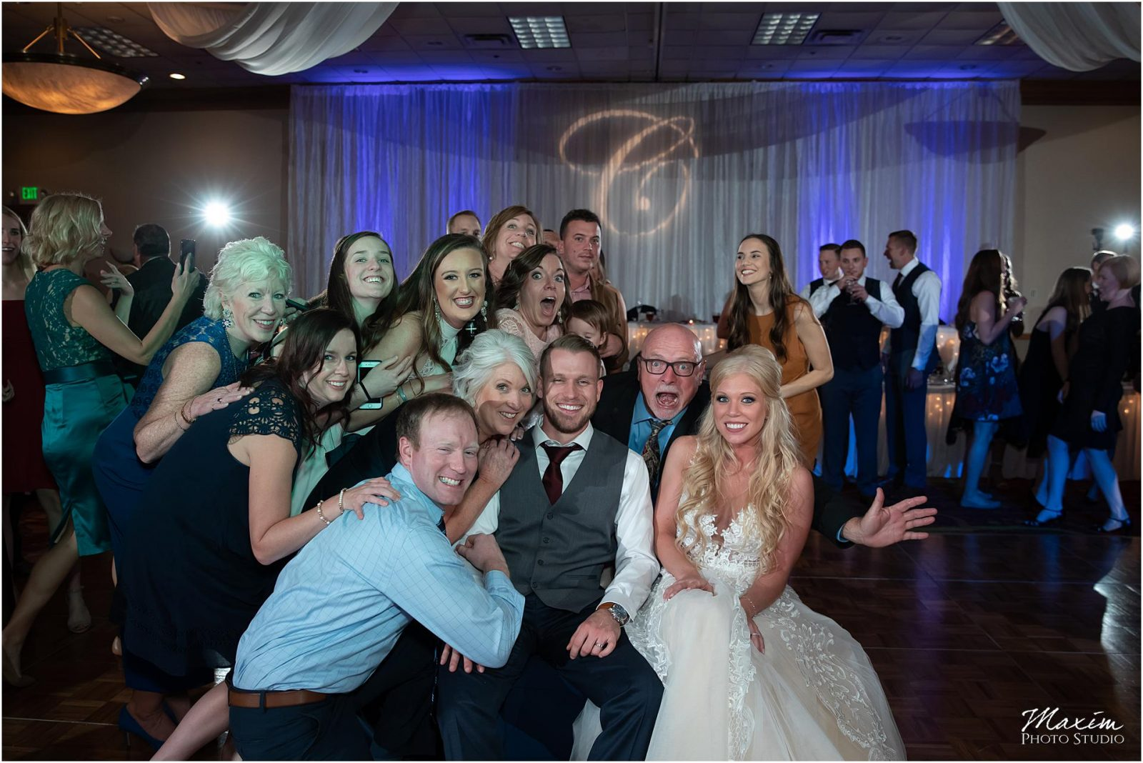 Holiday Inn Airport Wedding, Kentucky Wedding Photographer, Wedding Reception Photo Bomb