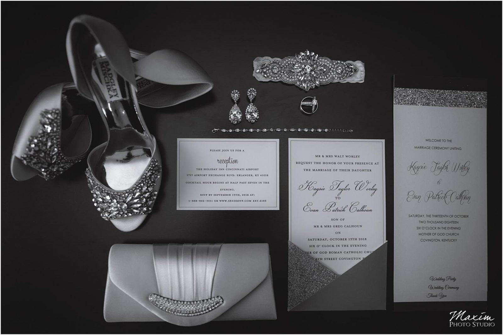 Kentucky Wedding Photographers, Bride Wedding Preparations details