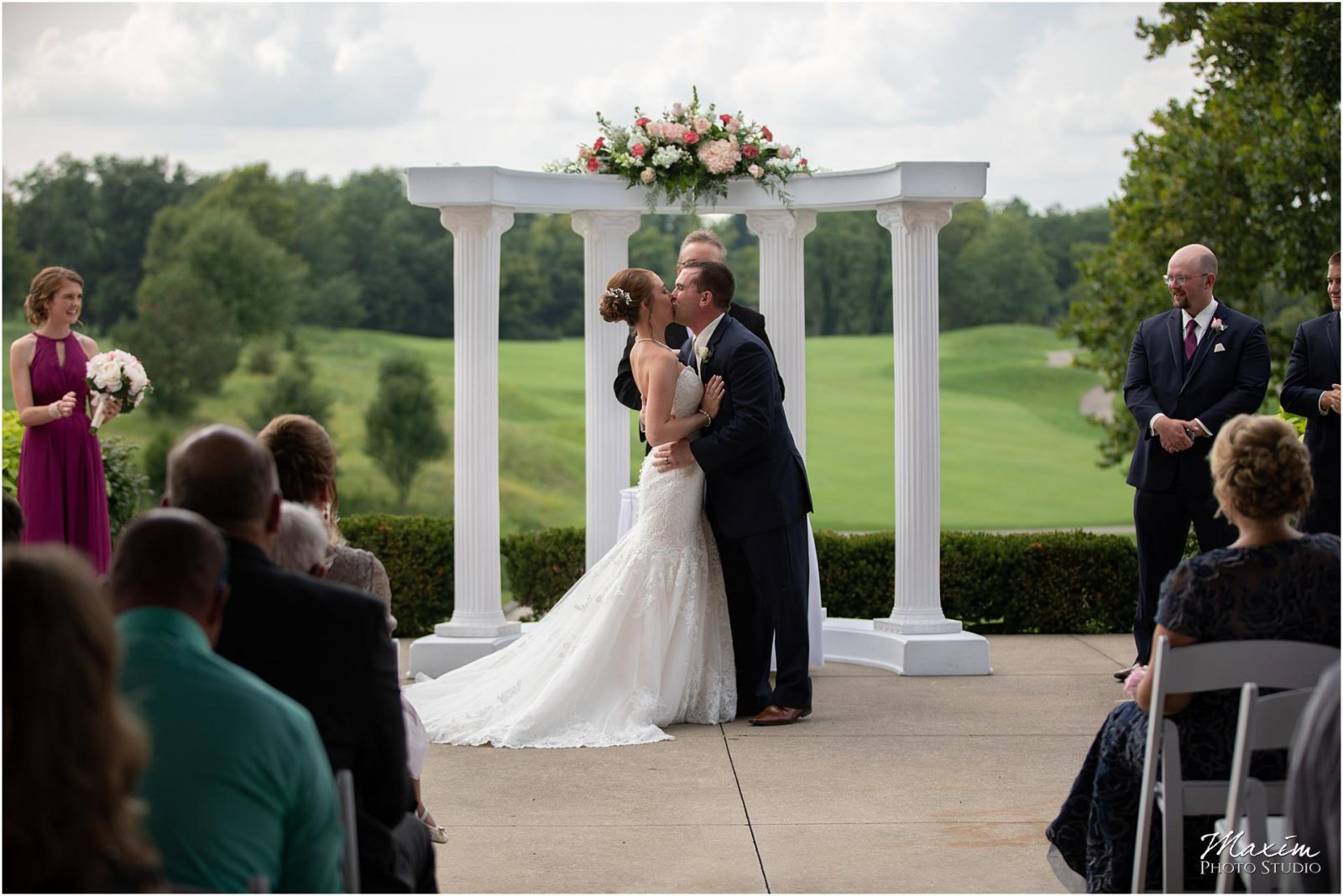 Oasis Conference Center, Cincinnati Wedding Photography, Wedding Ceremony