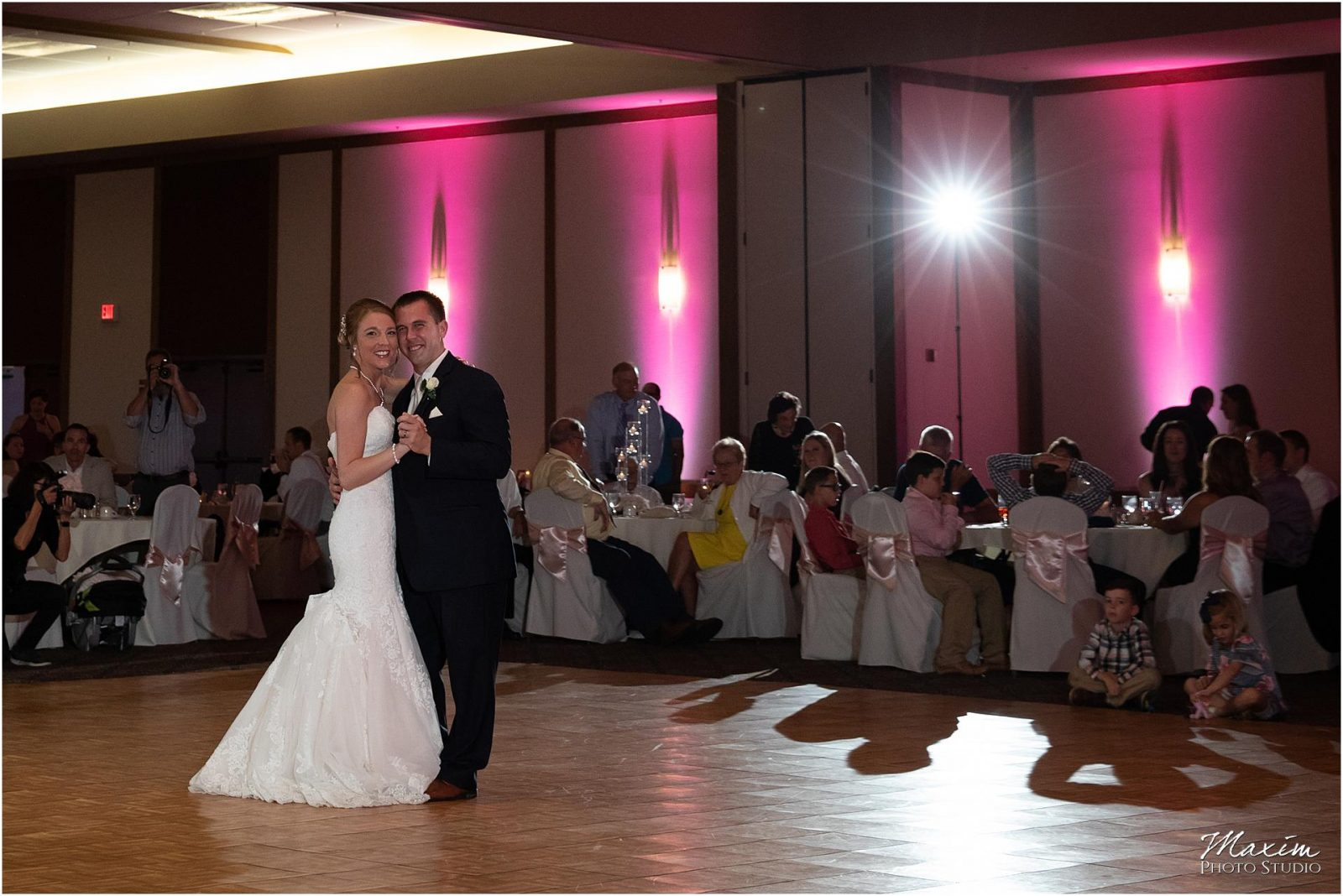 Oasis Conference Center, Cincinnati Wedding Photography, Wedding Reception Dance