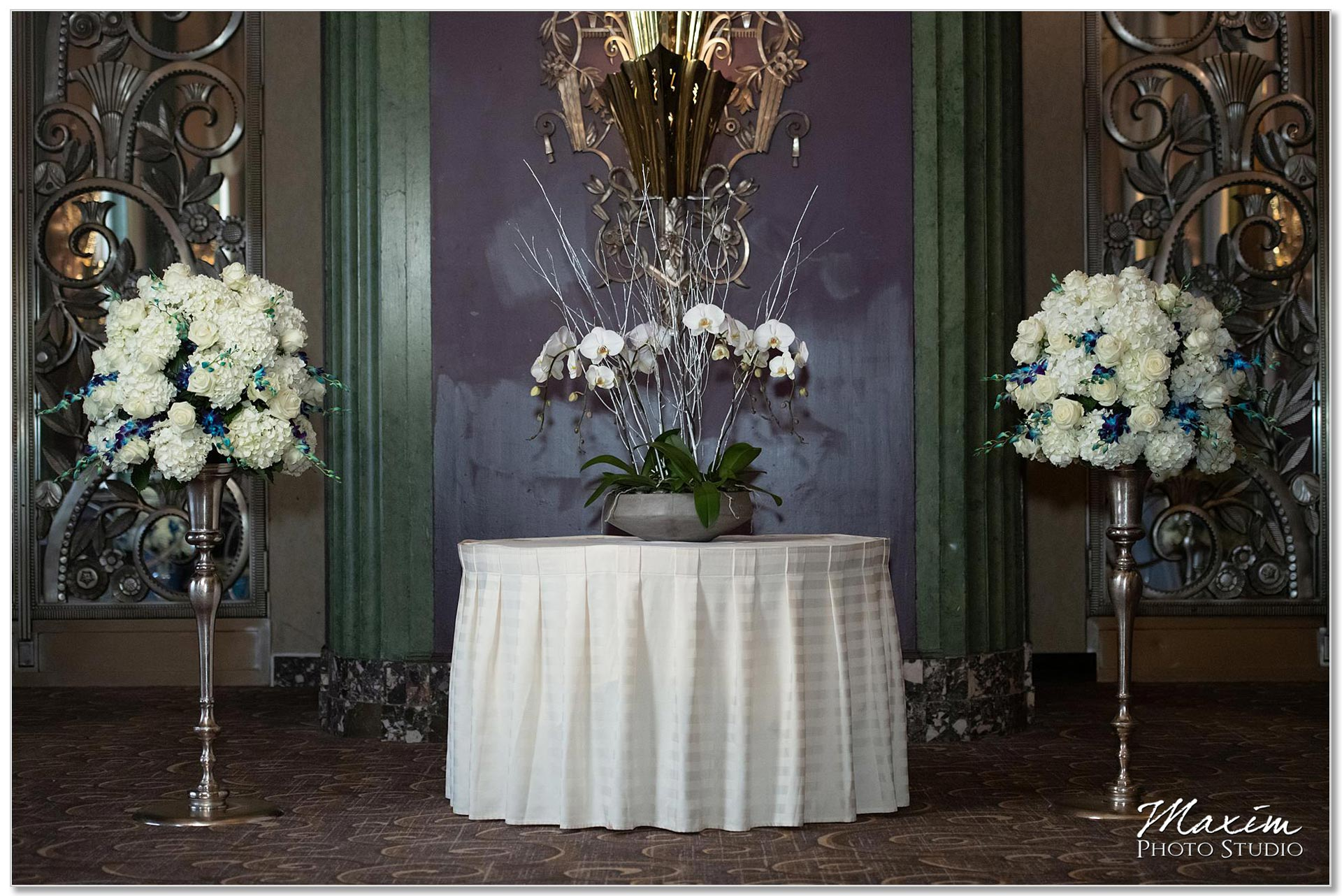 Continental Room Cincinnati Wedding Ceremony Flowers