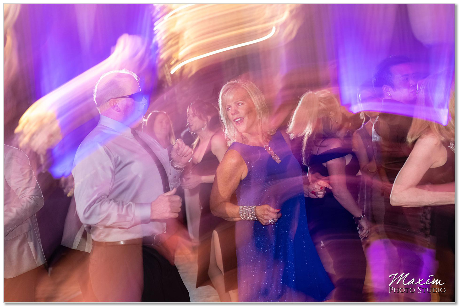 Fun Hilton Netherland Plaza Wedding reception