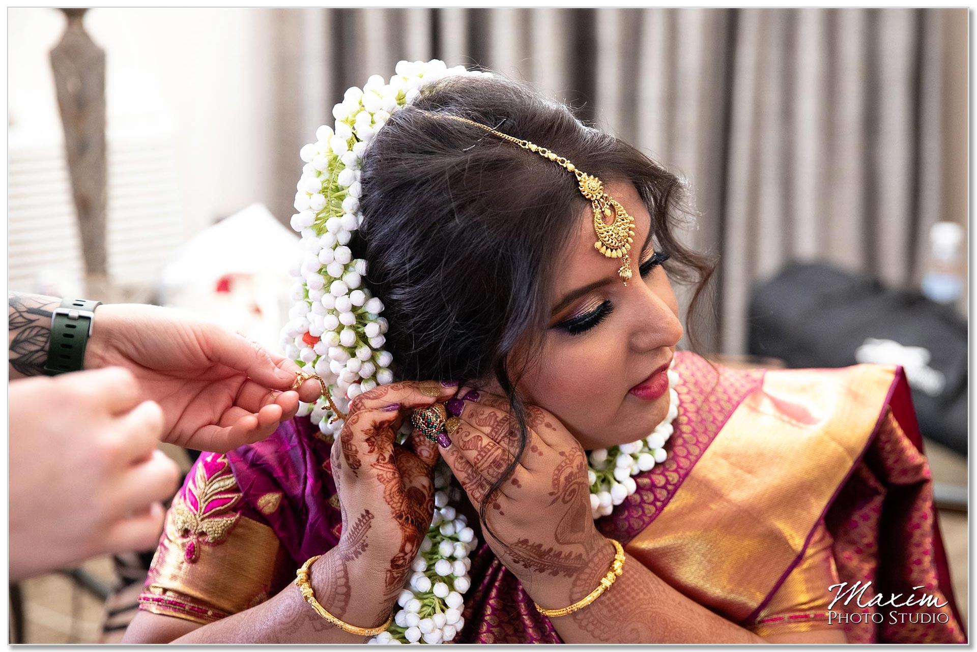 Hilton Netherland Plaza Bride wedding preparations