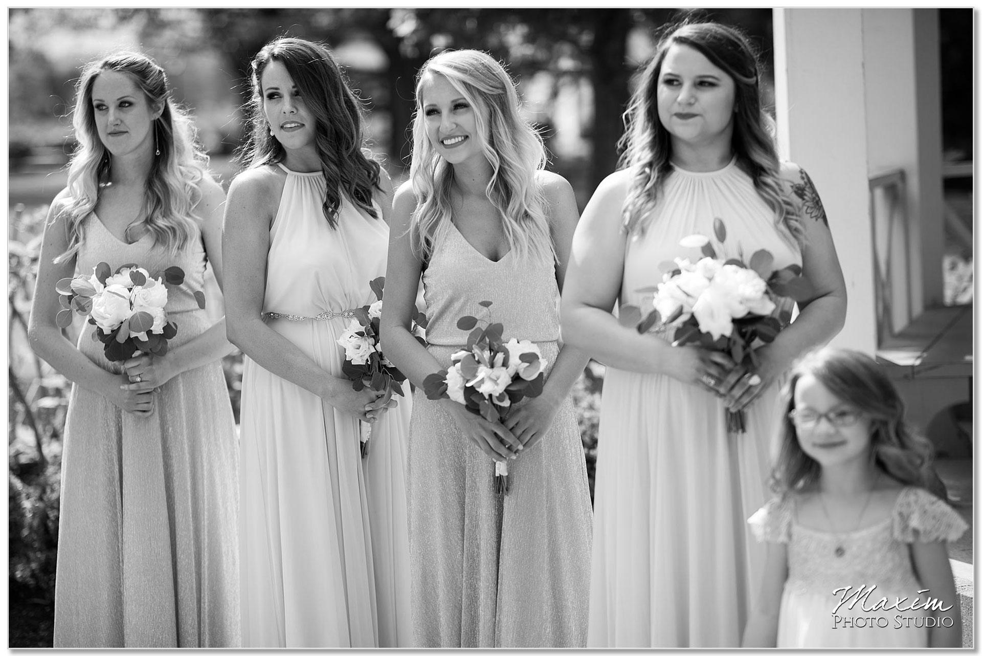 Wedding Ceremony bridesmaids Polen Farm