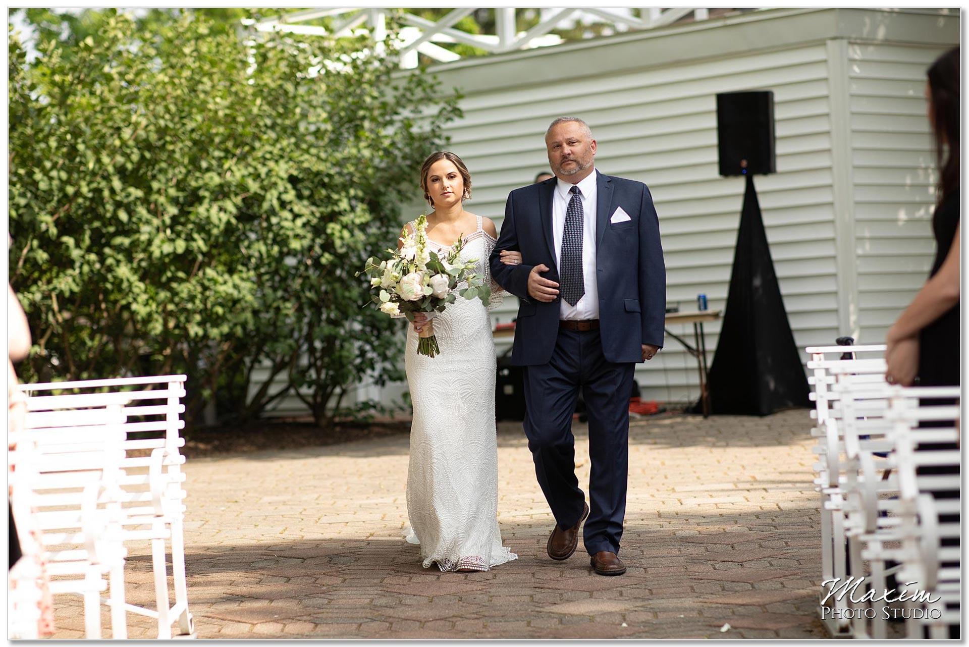 Polen Farm Wedding ceremony entrance
