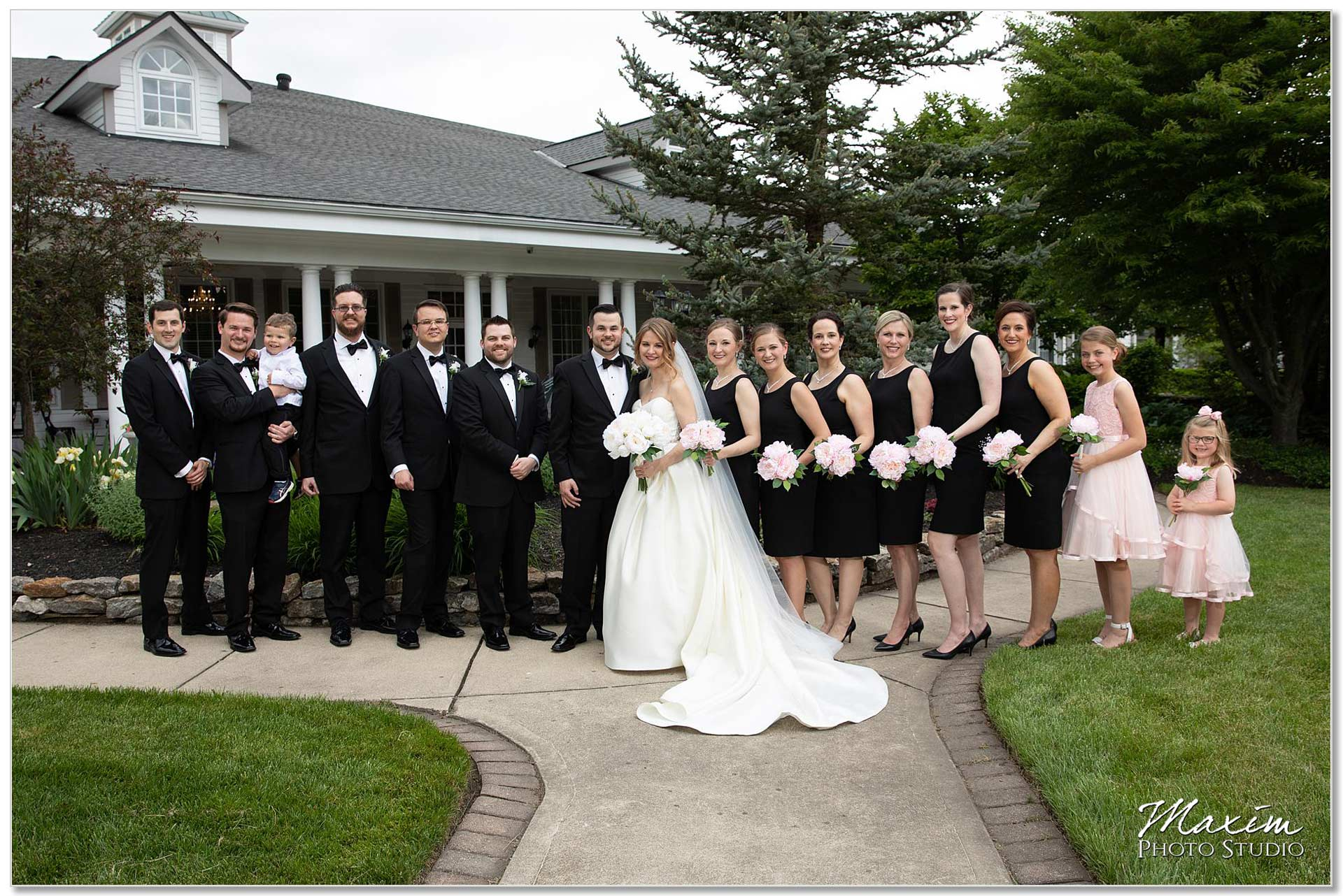 Manor House Ohio wedding bridal party portraits