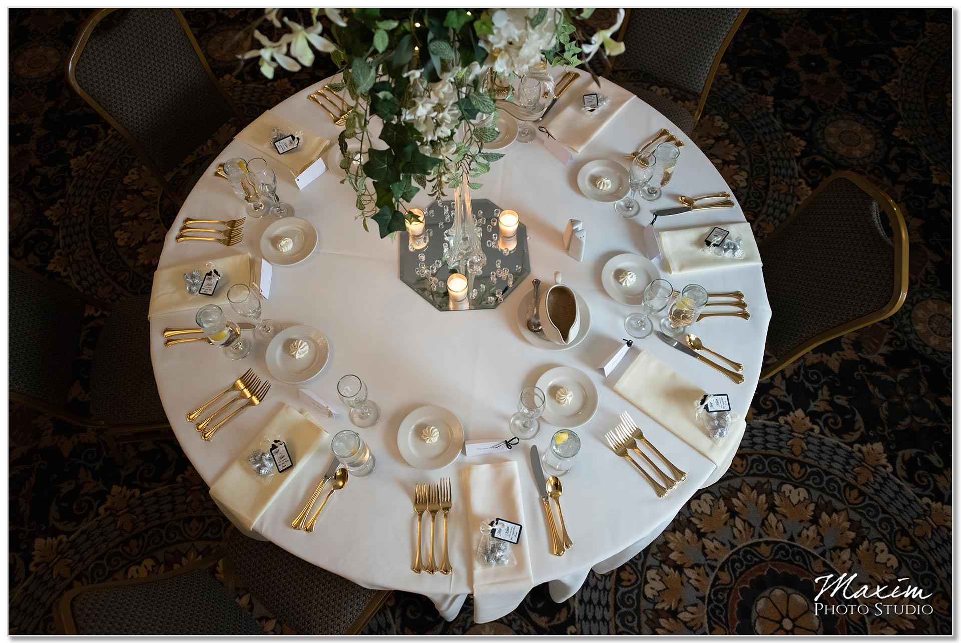 Wedding reception Manor House Ohio table setting