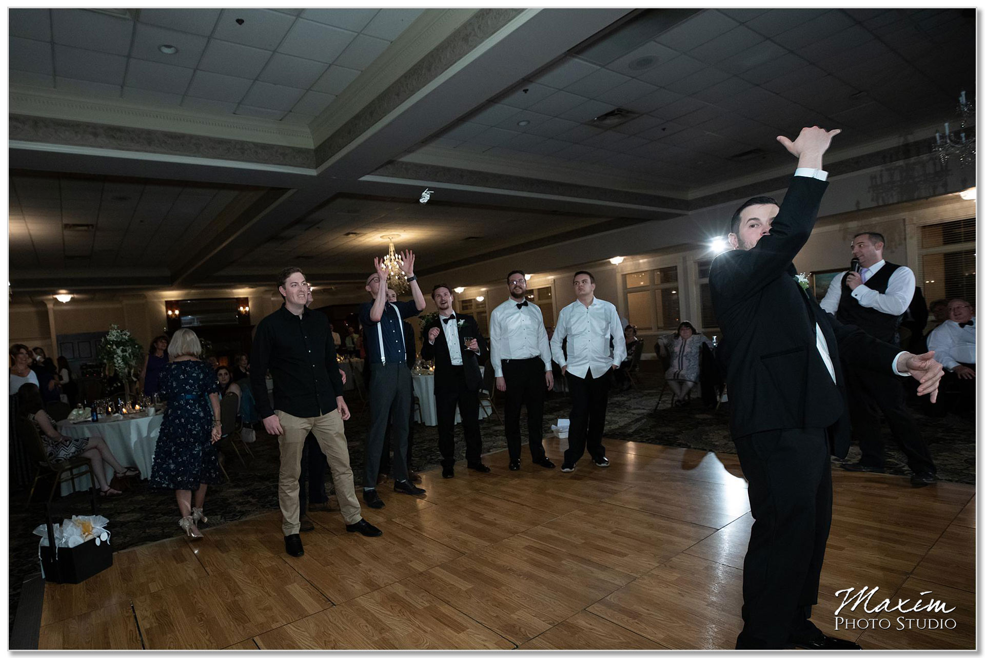 Manor House Ohio Garter toss