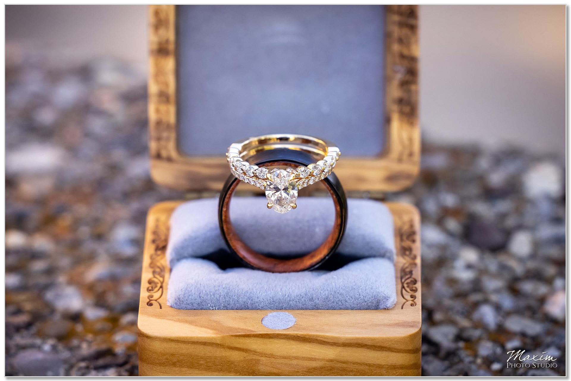 Mt. Echo Park Cincinnati Wedding rings