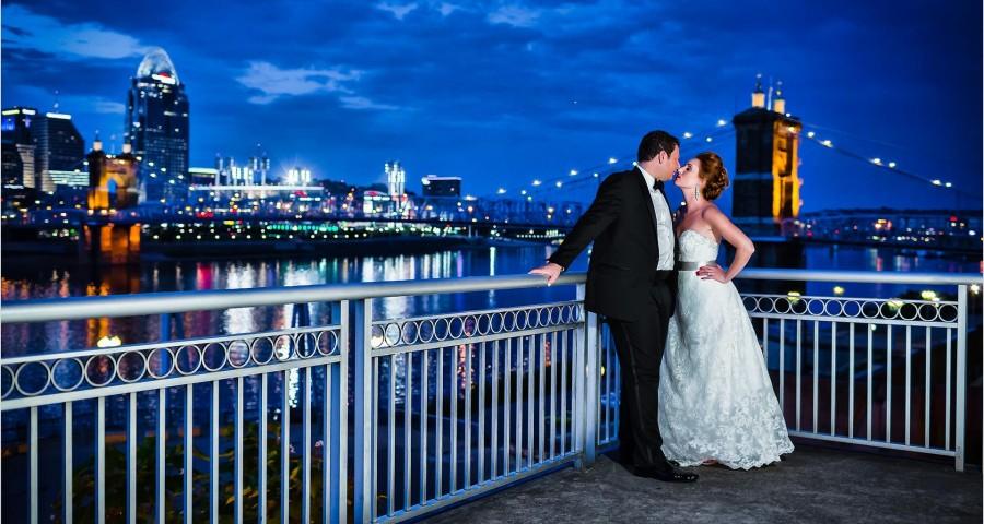 Best Cincinnati Wedding pictures, Roebling Bridge, Cincinnati Marriott Rivercenter, Sunset, Cincinnati skyline wedding