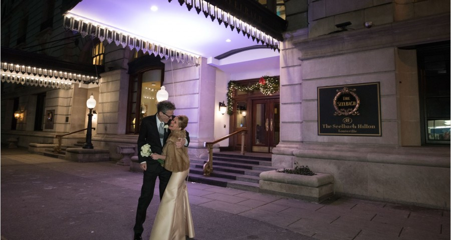 Kentucky Wedding Photographers Seelbach Hotel Wedding Ceremony